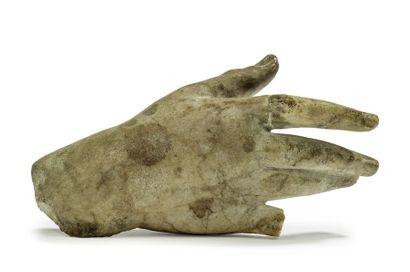 Main en marbre blanc sculpté. Fin du XVIe/début...