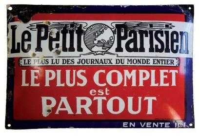 PLAQUE PUBLICITAIRE DU JOURNAL LE PETIT PARISIEN...