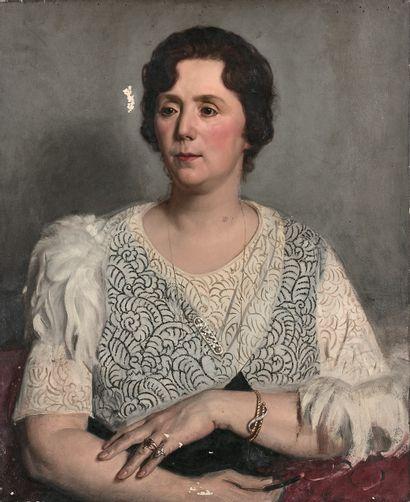 AUGUSTE LEROUX (1871-1954)  Portrait de Madame Auguste Leroux  Huile sur toile....