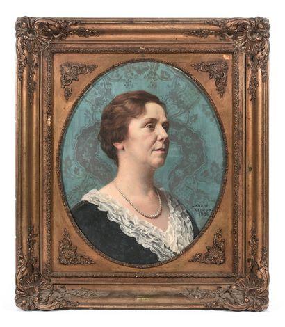 ANDRÉ LEROUX (1911-1997)  Portrait de Madame...