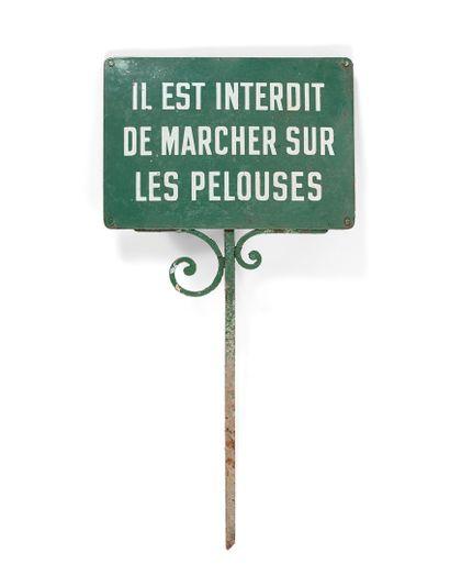 PLAQUE D'INTERDICTION DE MARCHER SUR LES...