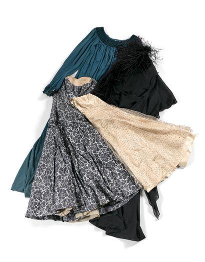 露西-多莱纳的舞台和城市衣柜  - 甄-普拉杰斯  半季大衣  呈灰褐色。  署名...