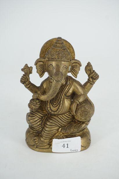 Statuette en bronze doré figurant Ganesh...