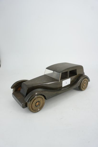 LEHENAL France maquette de voiture en bois...