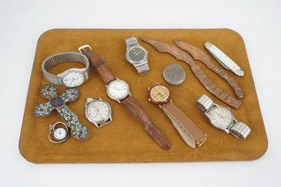 Lot de montres bracelets : DAVIS, REAUMONT,...