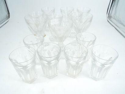 BACCARAT Lot de verres en cristal, modèle...