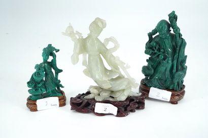 Guanyin en néphrite sculptée. On joint deux...