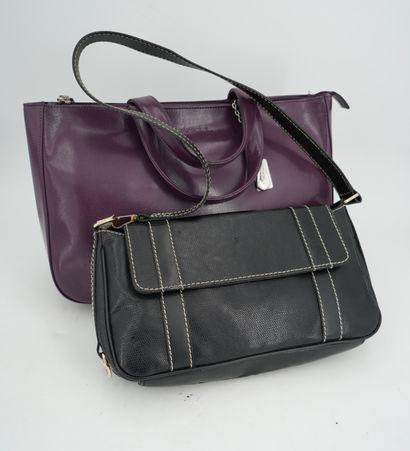 LANCEL, sac à main en cuir violet et sac...