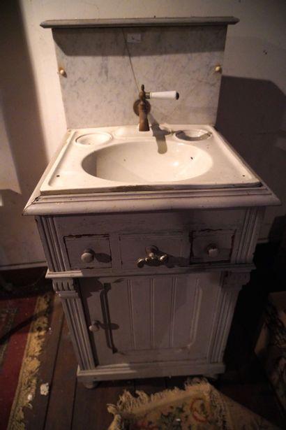 Deux supports de bassin de toilette, petit...