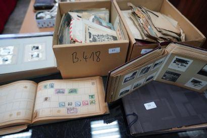 Lot de timbres, photographies anciennes,...