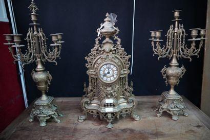 * Garniture de cheminée en laiton comprenant...