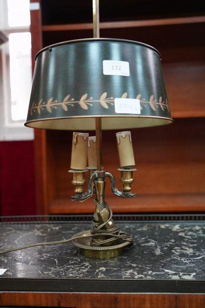 Lampe bouillote en bronze à trois lumières,...