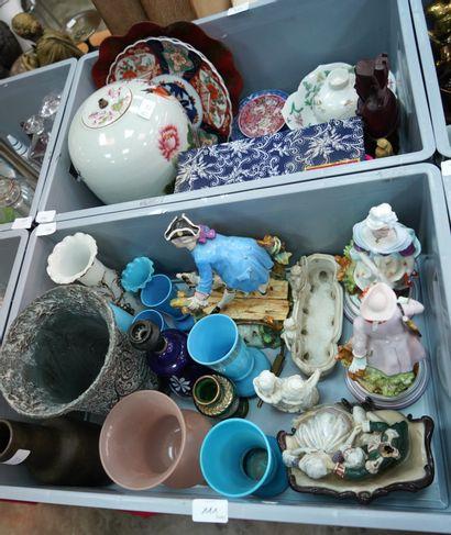 Lot de porcelaine asiatique : assiettes à...
