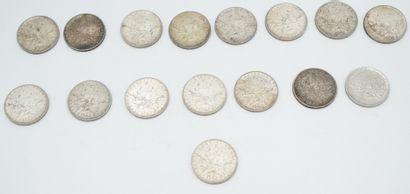 Réunion de pièces de 5 francs argent. On...