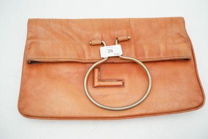 Pochette LANCEL vintage en cuir patiné. Etat...