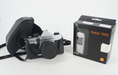 Un appareil photo Praktica super TL 1000...