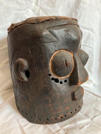 Masque casque Kuba, République Démocratique...