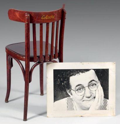 Chaise du Caf Conç, le dossier portant l'inscription...