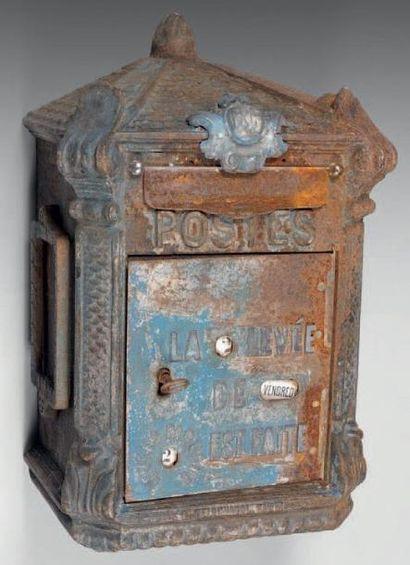 Boîte aux lettres des postes, en applique,...