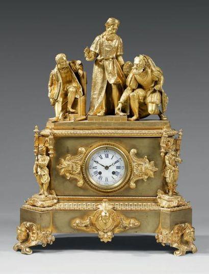 PENDULE Bronze doré, le cadran émaillé blanc...