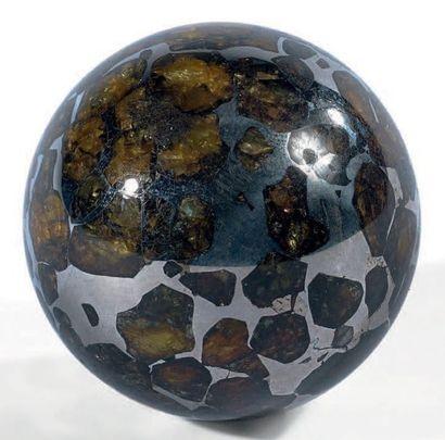 PALLASITE INDÉTERMINÉE Pallasite Sphère 148...