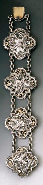 Bracelet articulé de style médiéval en argent...