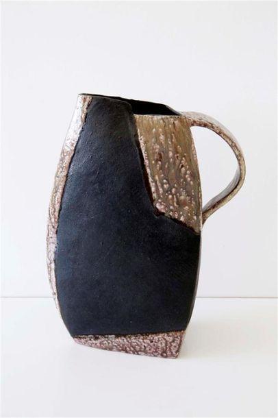 DEBRIL Claire (née en 1927) Pichet triangulaire...
