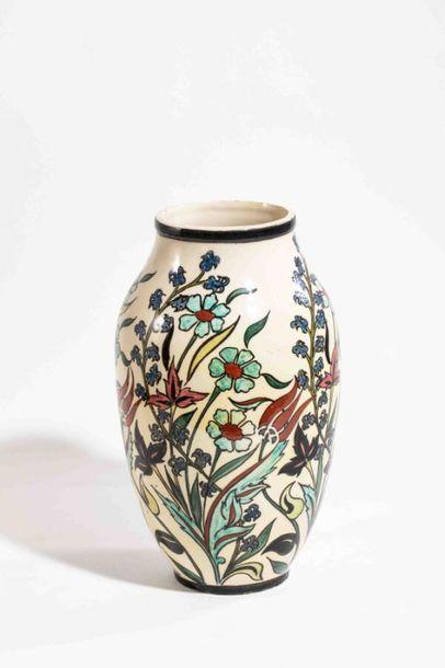 LACHENAL Edmond (1855-1930) Vase ovoïde en...