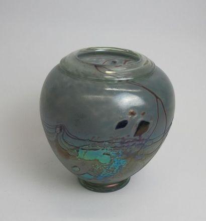 PIERINI Robert (né en 1950) Vase en verre...