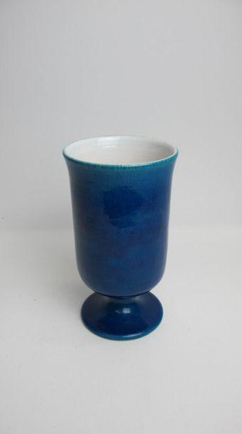CHAMBOST Pol (1906-1983) Vase sur piédouche à col évasé en céramique à couverte...