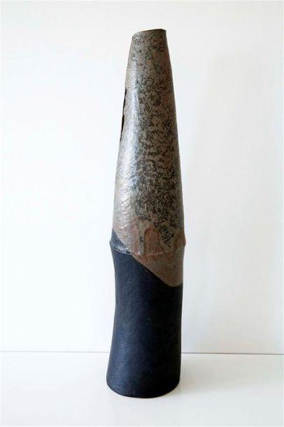 DEBRIL Claire (née en 1927) Vase fuselé à...