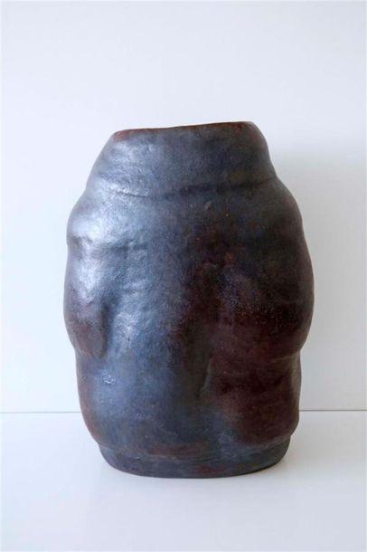 DEBRIL Claire (née en 1927) Vase ovoïde à...
