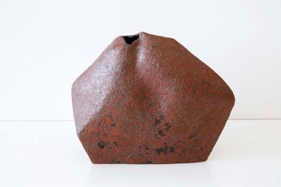 DEBRIL Claire (née en 1927) Vase polyèdre...