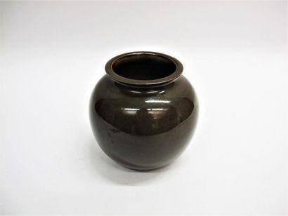 DEBLANDER Robert (1924-2010) Vase boule à...