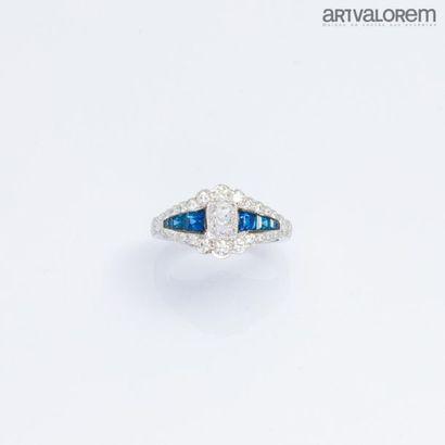 Bague en or blanc 750°/°° ornée d'un diamant...
