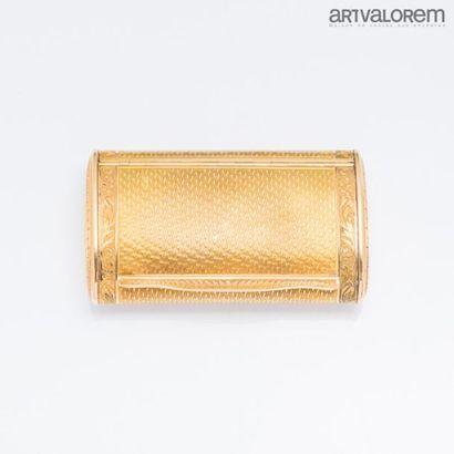 Tabatière en or jaune 750°/°° le couvercle...