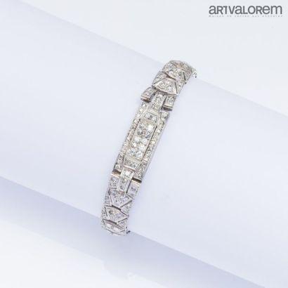Montre bracelet de dame en platine transformé...