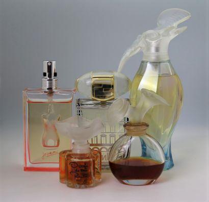 Divers parfumeurs.  Assortiment de 5 flacons...