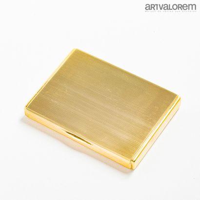Étui à cartes en or jaune 750°/°° guilloché...