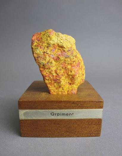 Orpiment sur gangue morceau roche  H. 8,5...