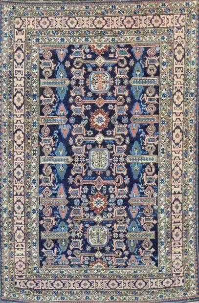 Ardebil (Iran) vers 1975.  Velours en laine...