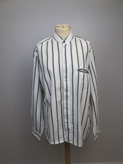 Trois chemises d'homme de marque Ted Lapidus,...