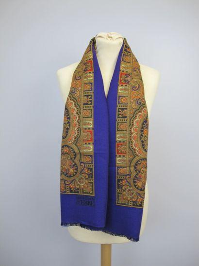 Lot cinq foulards  CARDIN carré en coton...