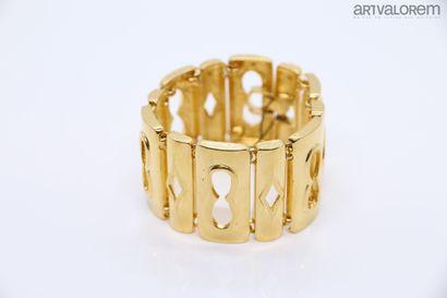 Bracelet manchette en métal doré à maillons...