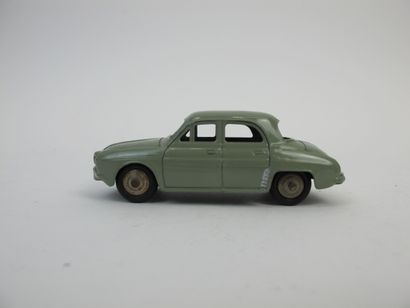 Dinky Toys France miniature au 1/ 43e Renault...