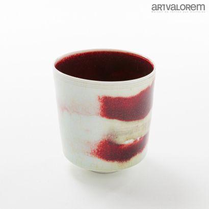 HEDE Armel (né en 1955)  Gobelet en porcelaine...
