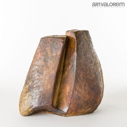 BROSSARD Gérard (né en 1950)  Sculpture triangulaire...