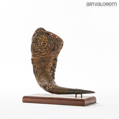 Coupe libatoire BAMILEKE (Cameroun) sculptée...