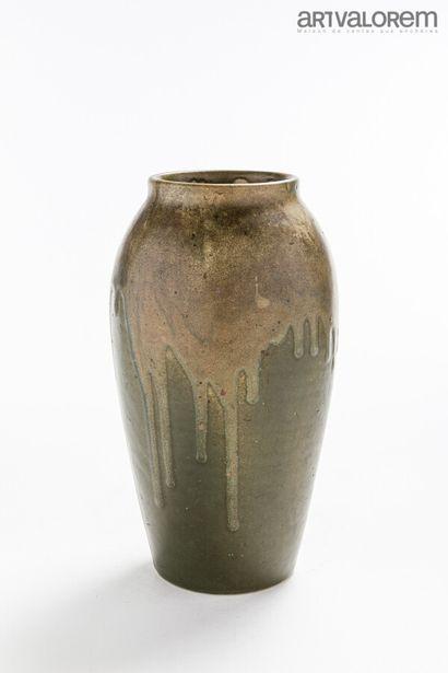 JEAN POINTU (1843-1925)  Vase ovoïde à col...