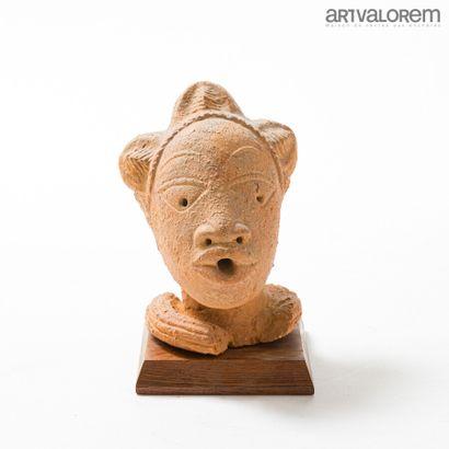 Tête en terre cuite, culture NOK (Nigéria),...